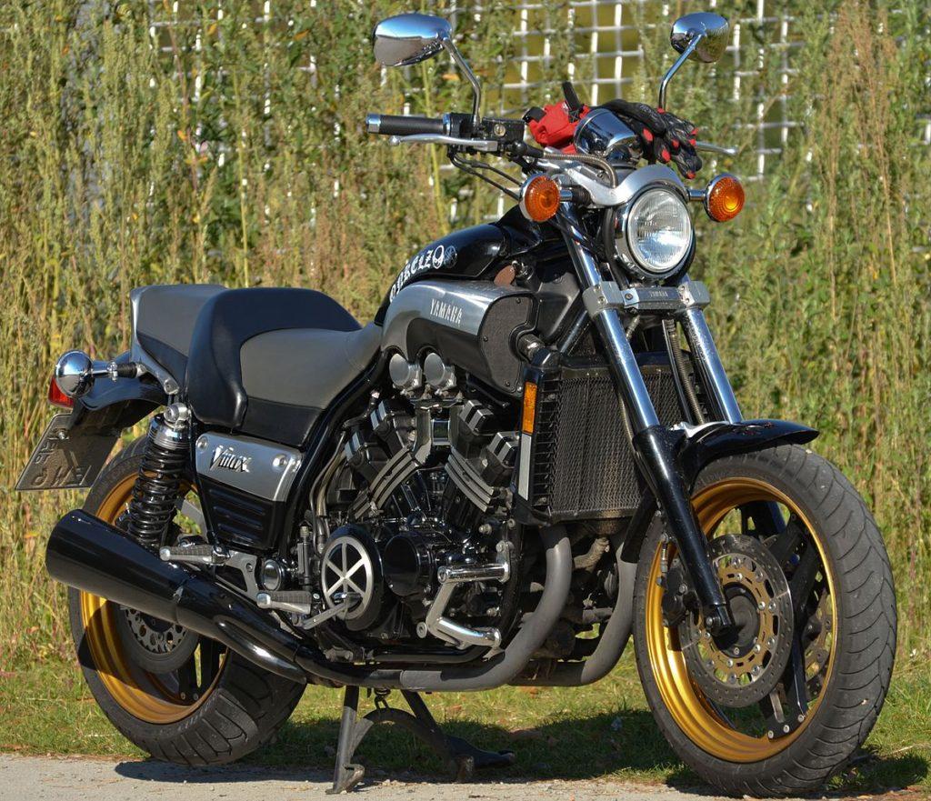 yamaha_vmax_motorbike_cropped