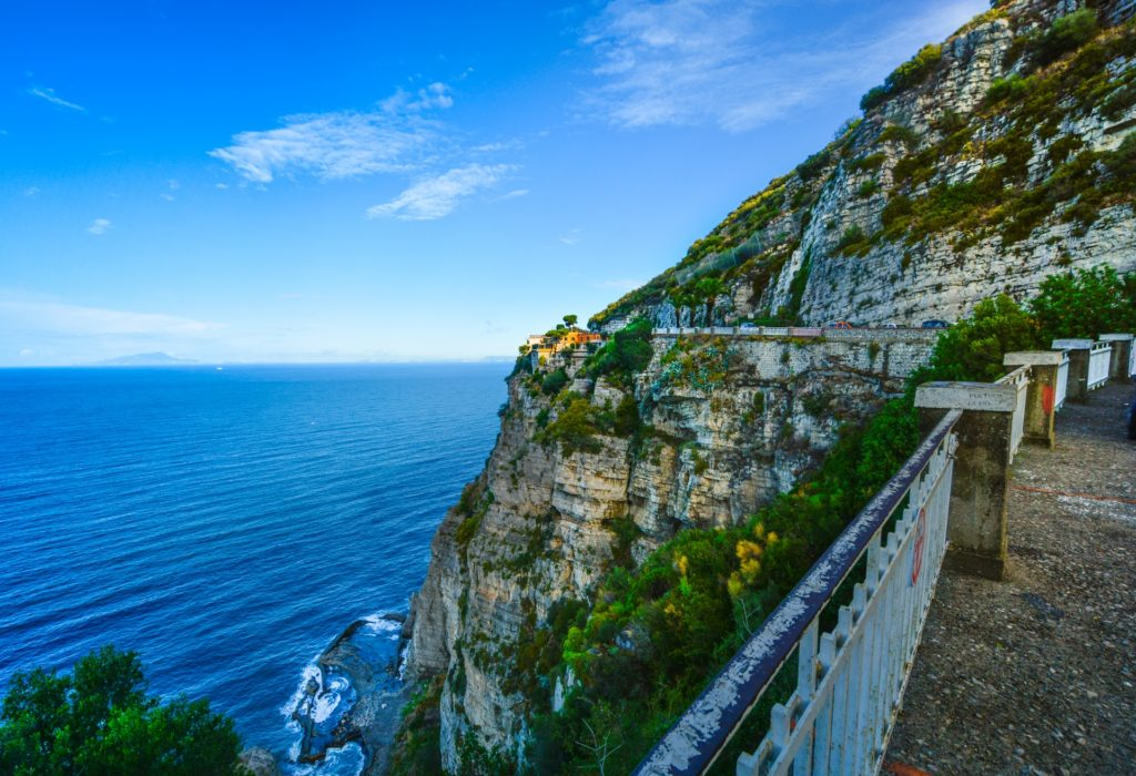 amalfi-coast-1490230125bKi